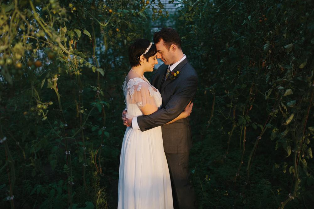 Chicago Wedding Photographer Mae Stier Heritage Prairie Farm Outdoor Romantic Wedding-067.jpg