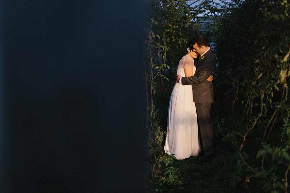 Chicago Wedding Photographer Mae Stier Heritage Prairie Farm Outdoor Romantic Wedding-068.jpg