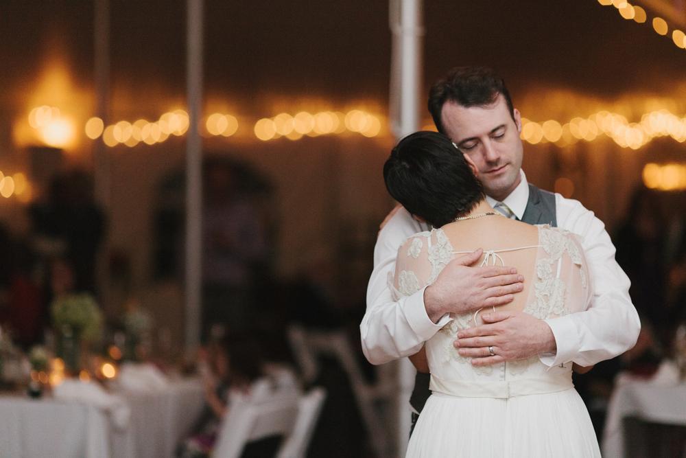 Chicago Wedding Photographer Mae Stier Heritage Prairie Farm Outdoor Romantic Wedding-080.jpg