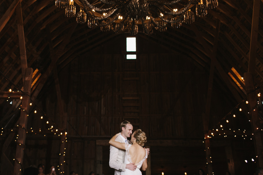 Cottonwood Barn Detroit Wedding-073.jpg