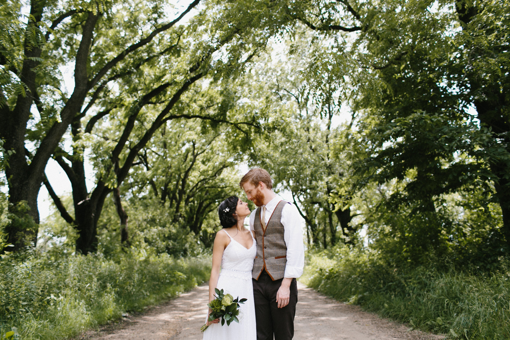 Heritage Prairie Farm Chicago Wedding Photographer Mae Stier-065.jpg