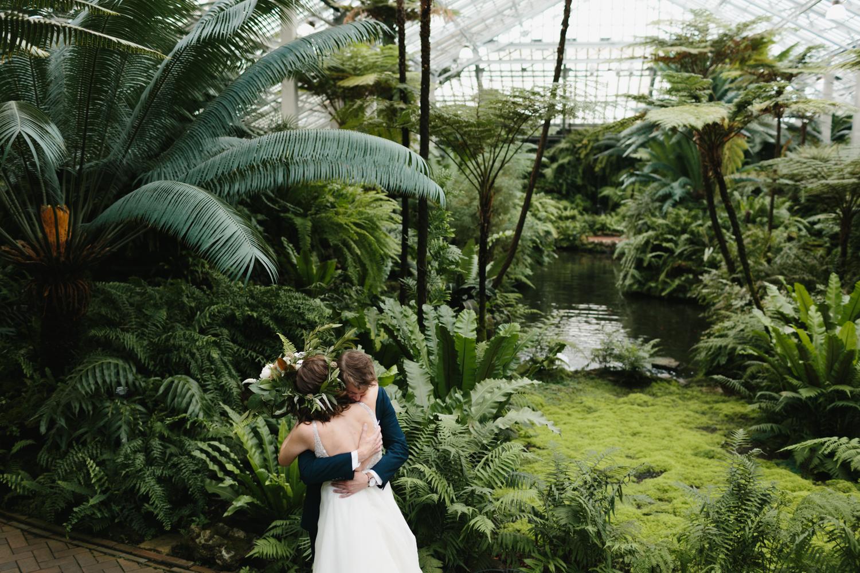 Chicago Garfield Park Conservatory Wedding by Northern Michigan Photographer Mae Stier-033.jpg