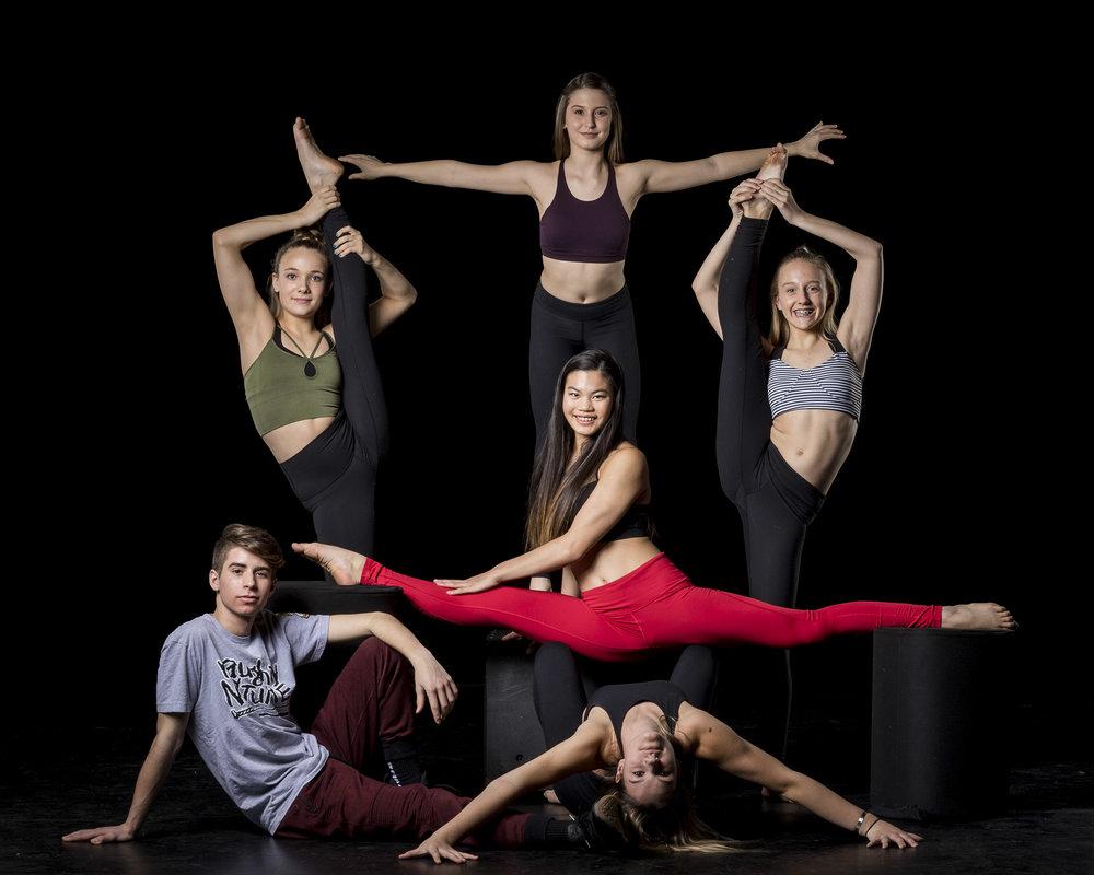 group-teen-dancers.jpg