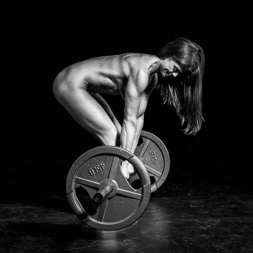 Nude fitness black and white