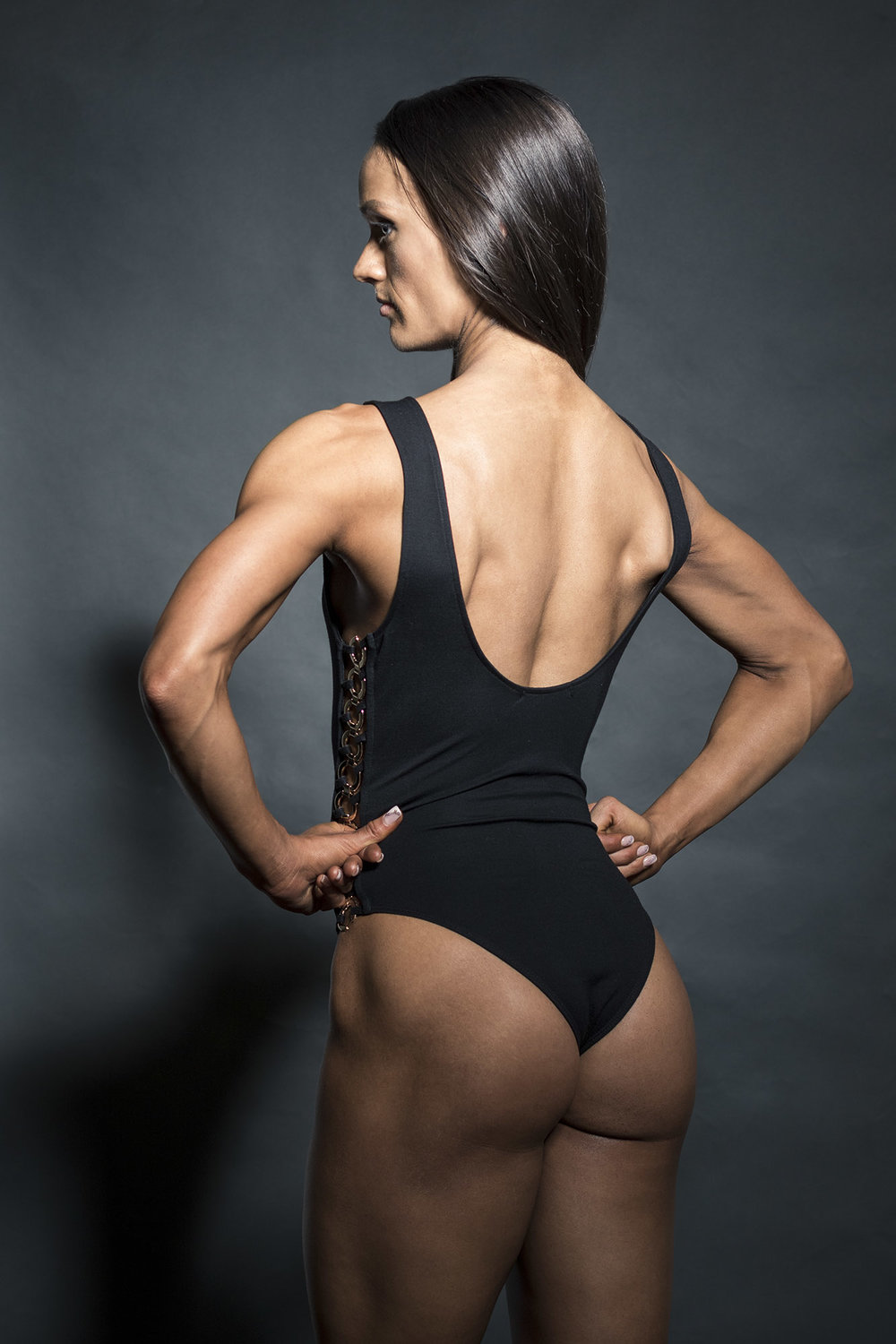 woman-back-muscles