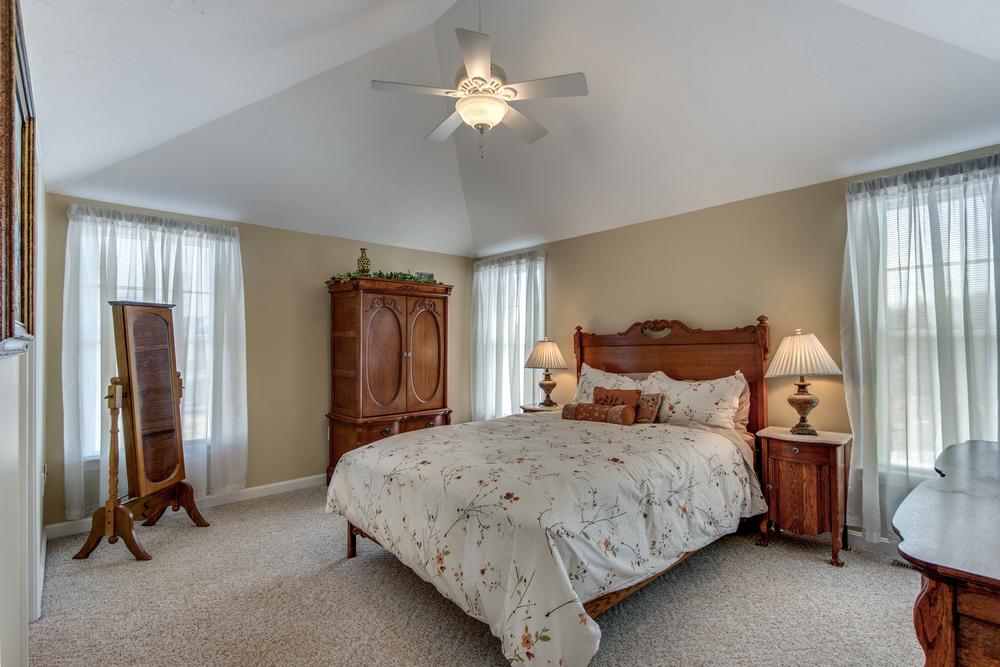 20_Master_Bedroom.jpg