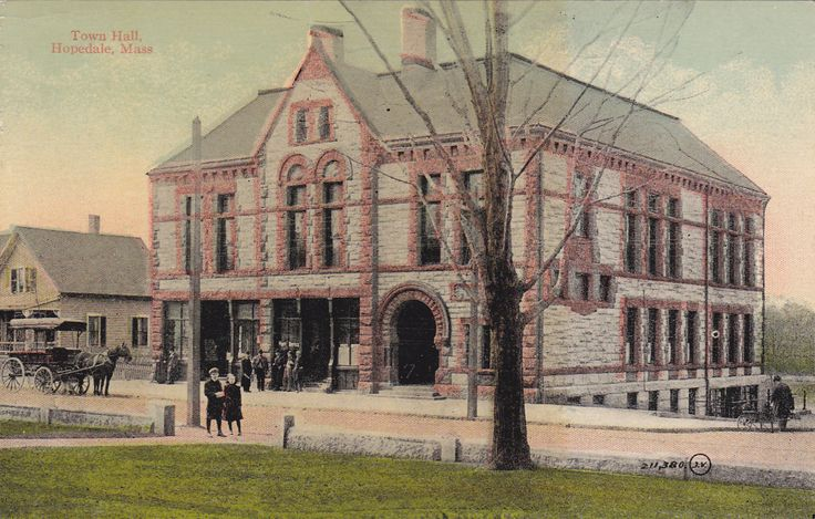Hopedale town hall.jpg