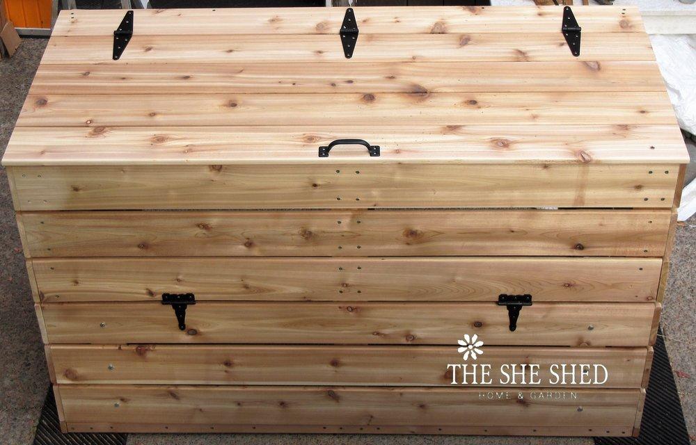 Compost box final wiht logo.jpg