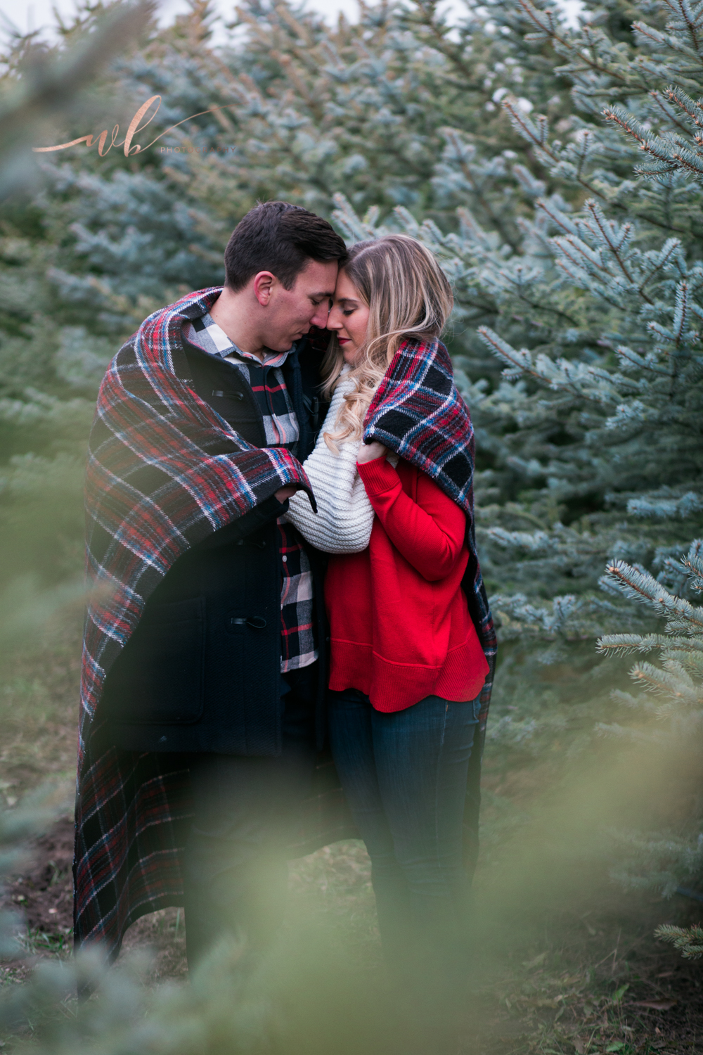 couples winter photo shoot in utah