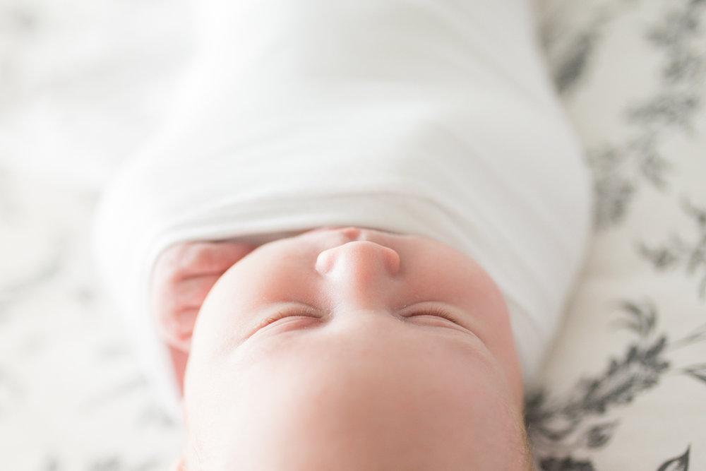 natural light newborn photos