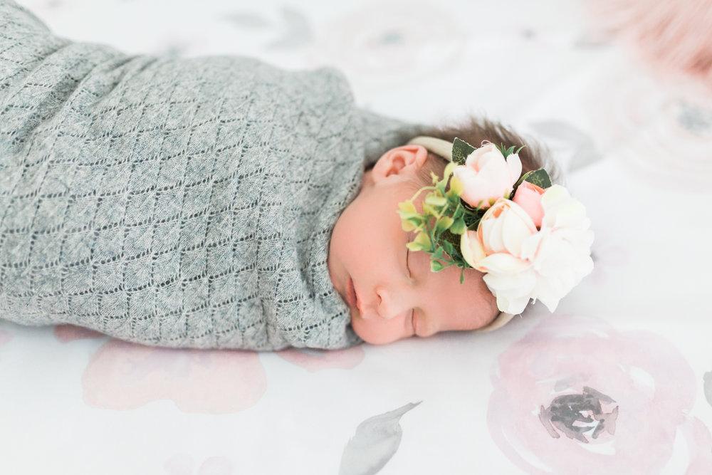 Lifestyle newborn Utah photos