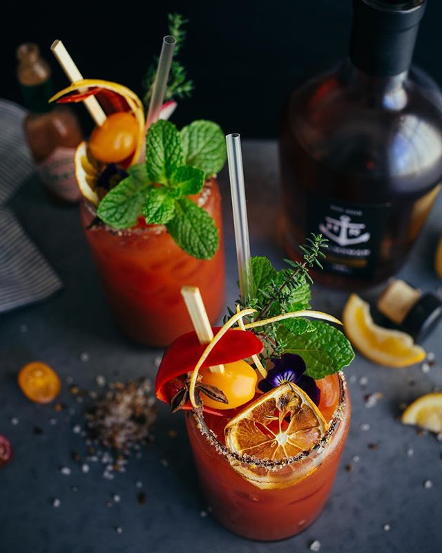 Cheers to the long weekend 🥂 we're thinking it may be time to make one of these banging @helmsman_rum bloody Mary's to start things off? Care to join us? 💯 #helmsmanrum #spicedrum #cheersqueenie