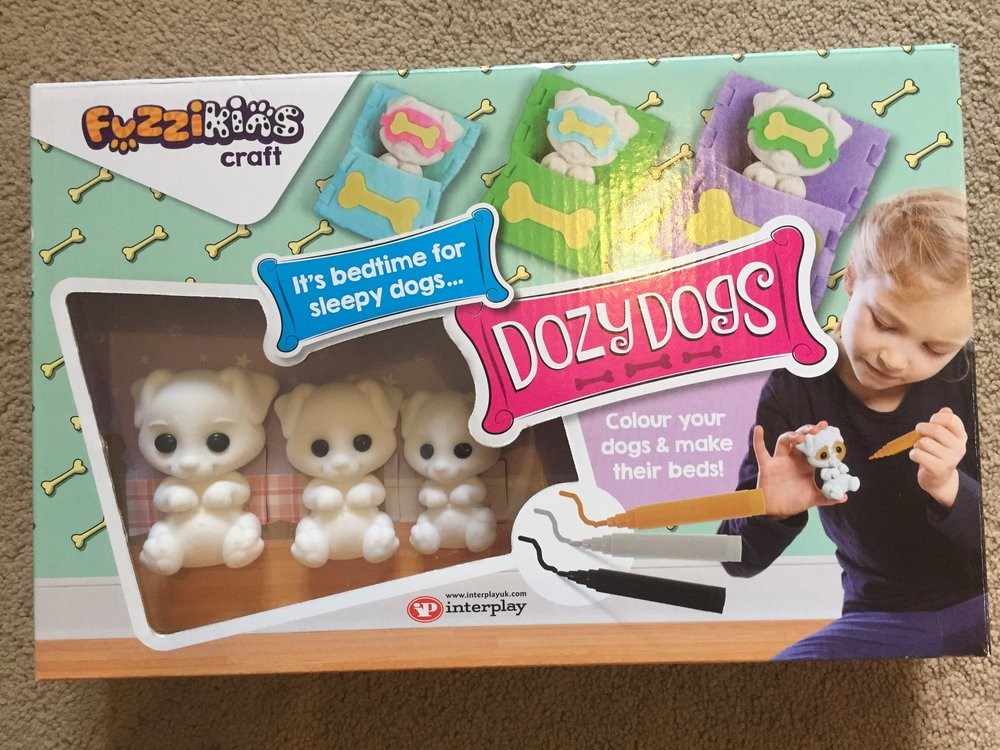 Fuzzikins DozyDogs craft set.  This school holiday, arts and crafts projects have the kids occupied and kept them from getting bored, especially on rainy days - also, it keeps them away from too much screen time.  So we were excited to be sent Fuzzikins DozyDogs craft set to review.
