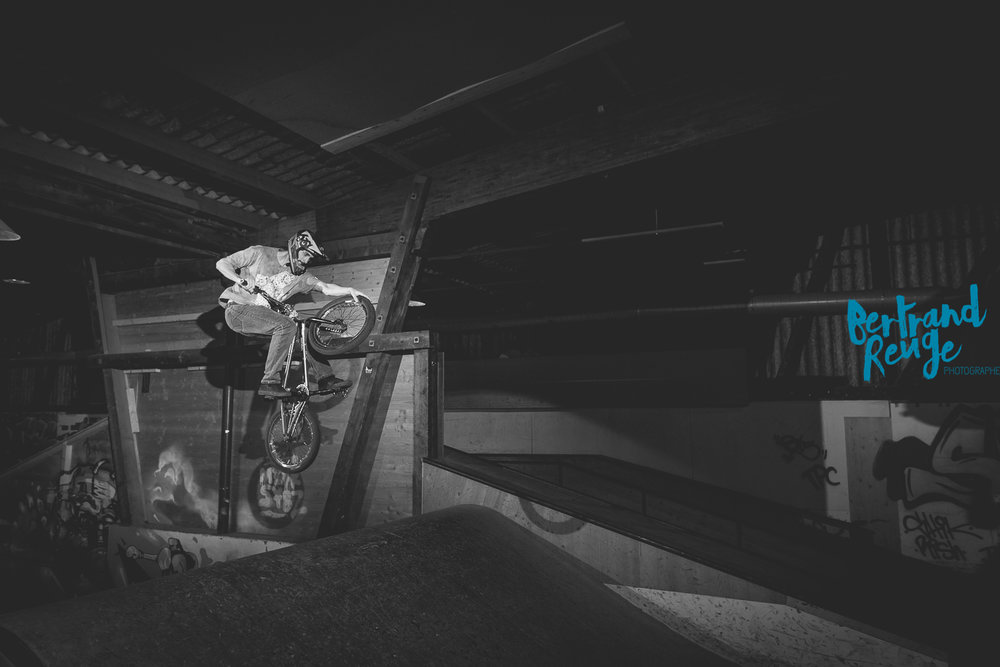 14212818-bike park lausanne.jpg