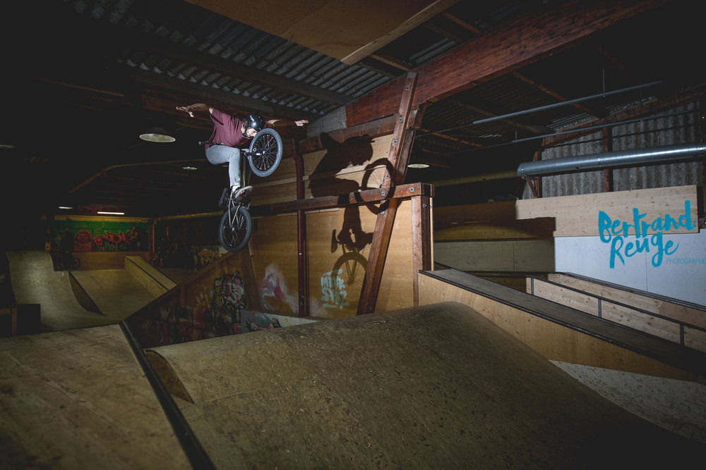 14214826-bike park lausanne.jpg