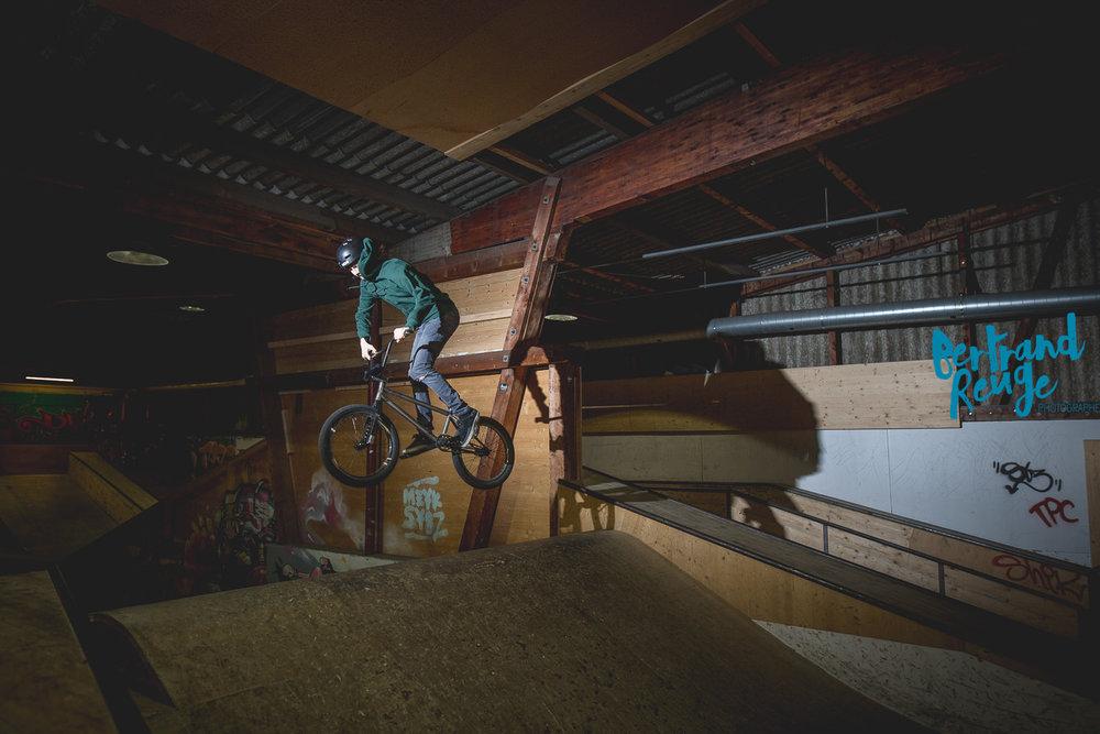 14214842-bike park lausanne.jpg