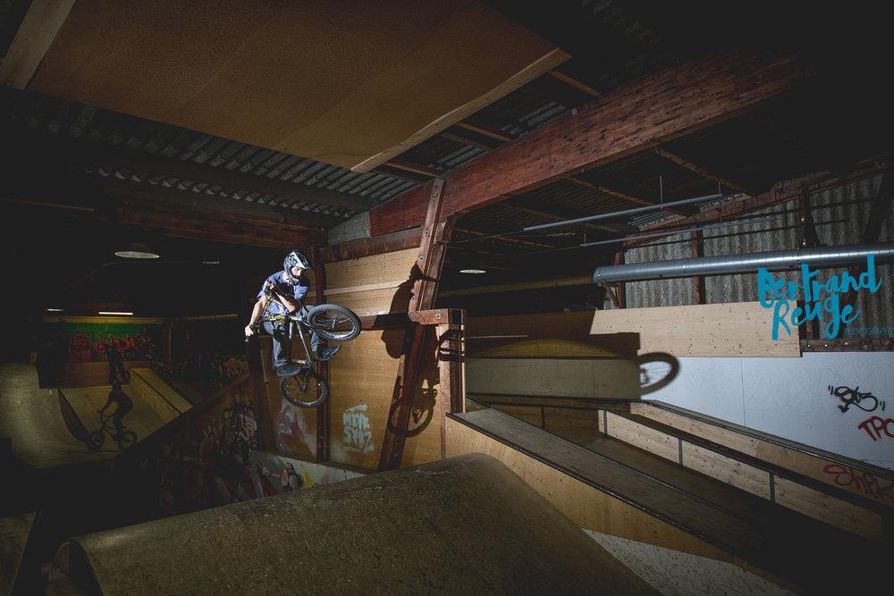 14215025-bike park lausanne.jpg