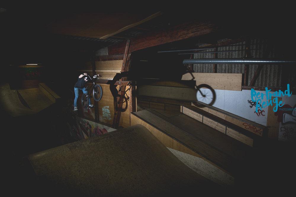 14220114-bike park lausanne.jpg