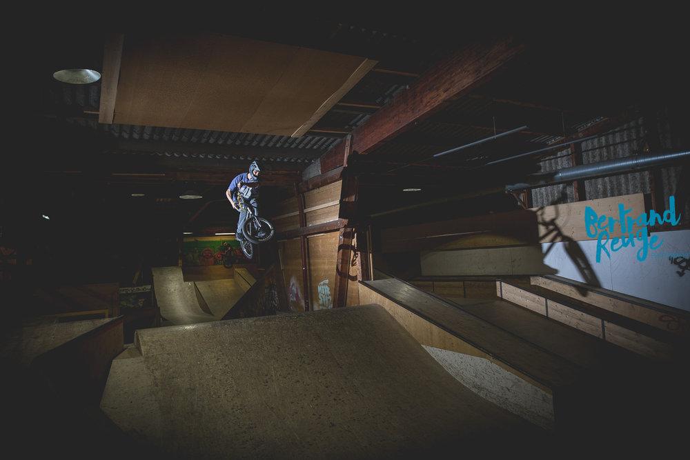 14220327-bike park lausanne.jpg