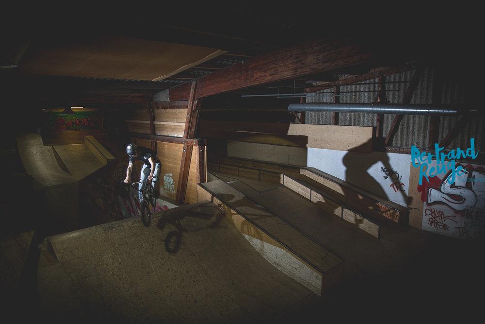 14220610-bike park lausanne.jpg