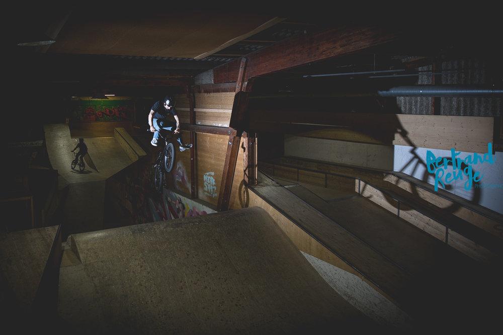 14220829-bike park lausanne.jpg