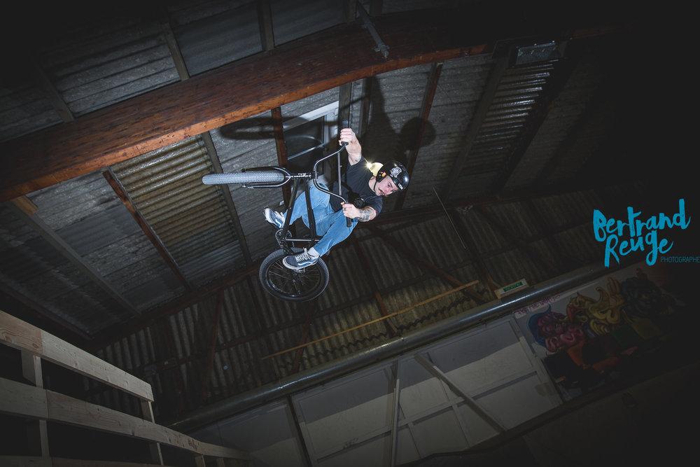 14230458-bike park lausanne.jpg