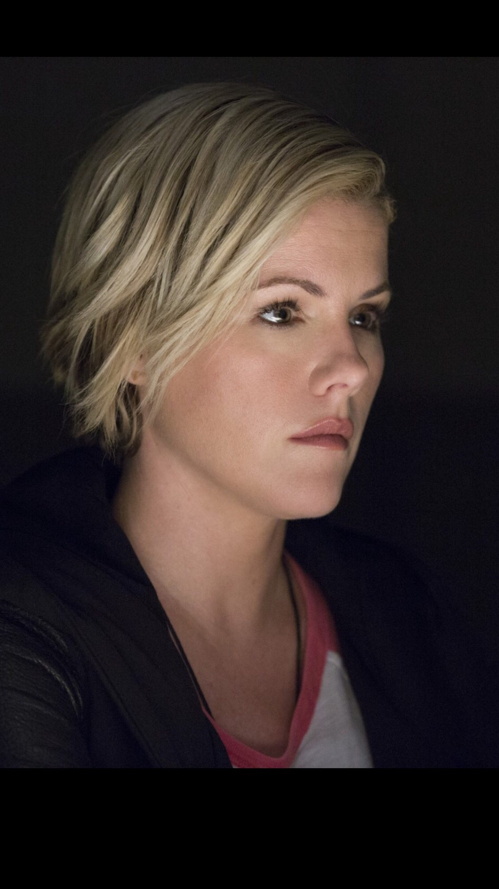 Kathleen Robertson co-stars with Taye Diggs in the hit TNT series 'Murder in the first.'