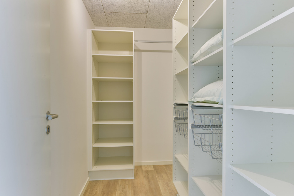 Walkin closet_30.jpg