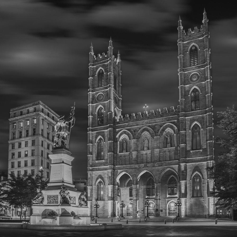 The Notre-Dame Basilica in Montreal-Captura Camera
