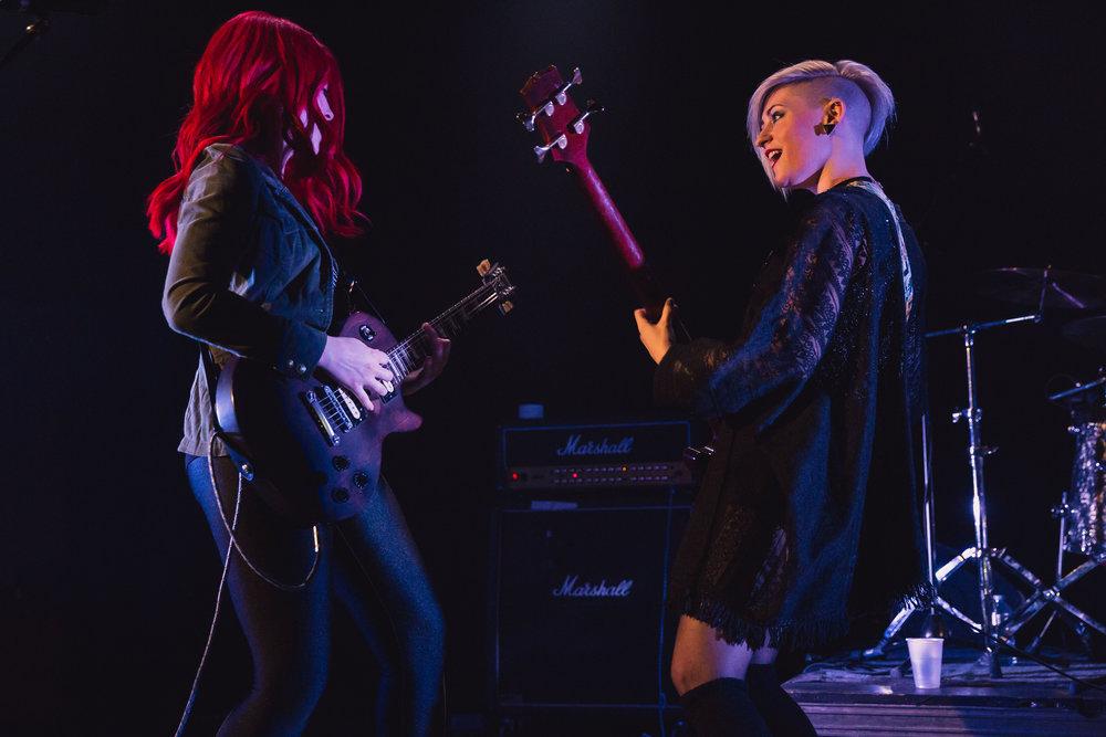 Crimson Queens : Tribute to The Runaways