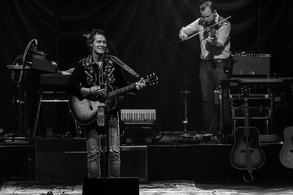 Mandy & Randy Studio - Montreal Concert Photography