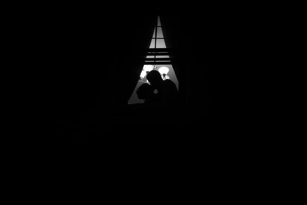 montreal wedding photographer-capture camera
