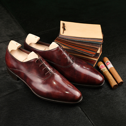 A great pair of Oxfords from English Bootmaker John Lobb, alongside HDM and R&J.