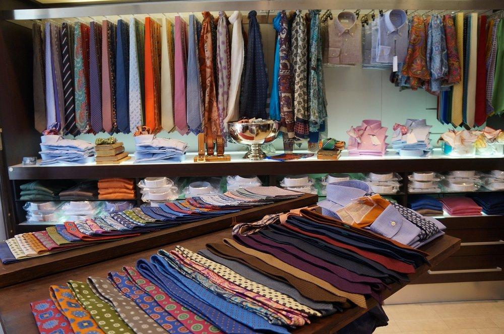Andrew's Ties Sweden store layout shown.