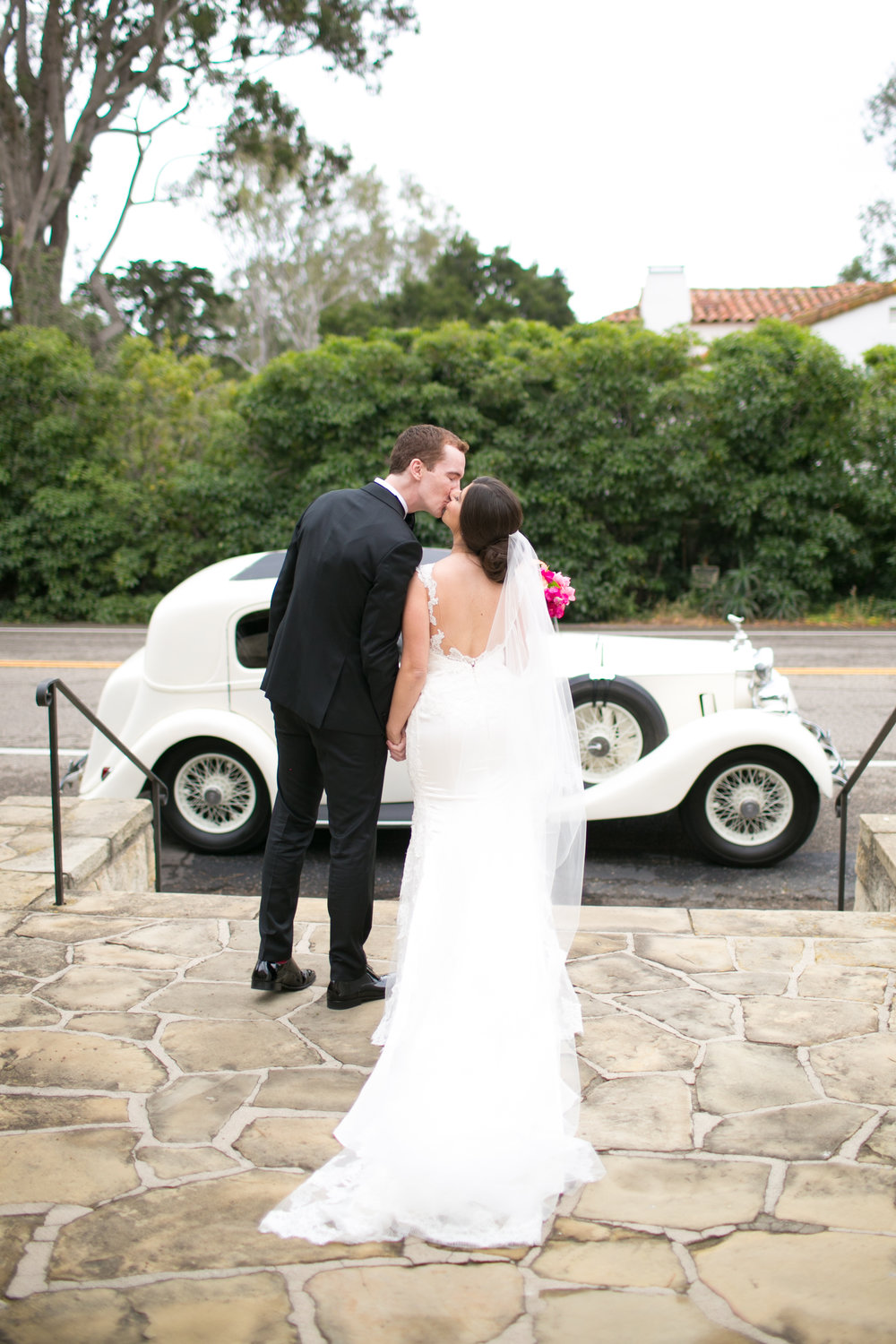 "<a href=""/anna-daniel""><span style=""color:white;"">Anna & Daniel</span>→<strong>Bacara Wedding<br> Santa Barbara, California </strong></a>"