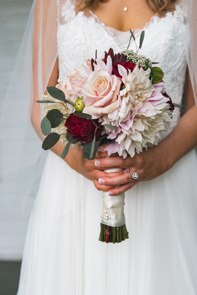Gorgeous flowers by :  The Floral Culture