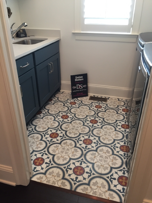 Laundry room in House #2, the Nottinghill, by  Mastercraft Homes
