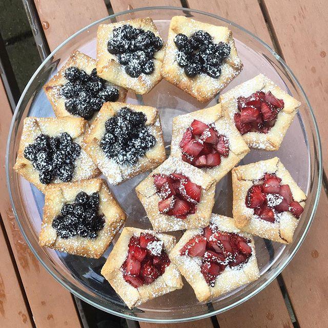 Christian's Famous Fruit Tarts ✨🤤✨ #brunch #eeeeeats #sundays