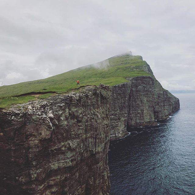 One of the most unique places we have ever visited by far. With jagged cliffs and tempestuous weather, this place is straight out of a Viking saga #faroeislands #visitfaroeislands 🏔🌊