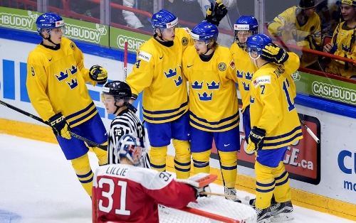 Asplund (3rd from the right) and Nylander (2nd from left) have history of playing together.