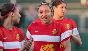 Jaelene Hinkle is one of five USWNT players on the WNY Flash. -photo cred to WNYflash.com
