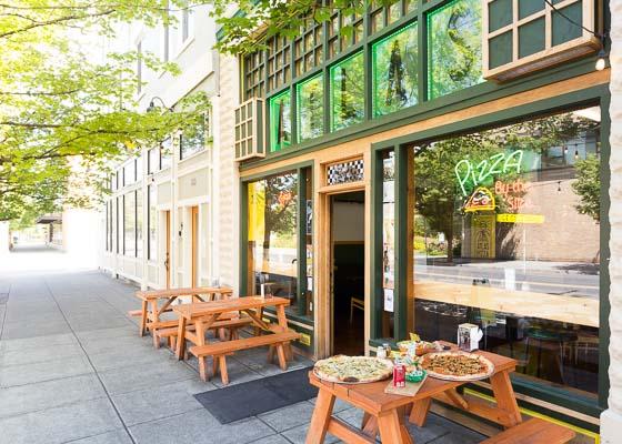 LisaGoshePhotography-Portland-Pizza-Photos-Photographer.jpg