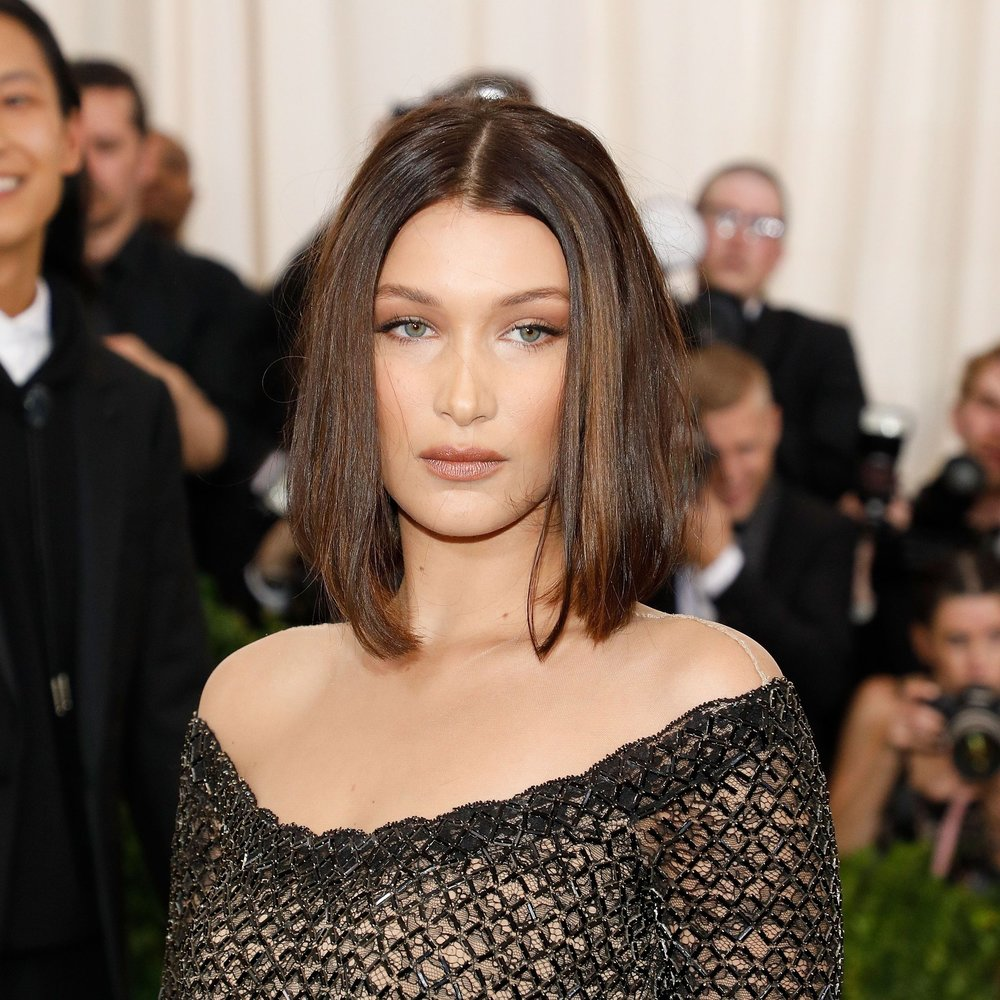 https://www.popsugar.com/beauty/Bella-Hadid-Bob-Haircut-Met-Gala-2017-43492043