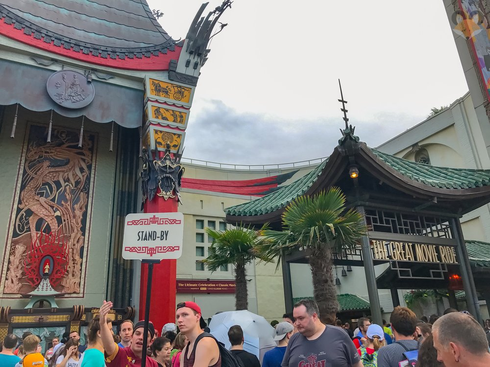 Sunday afternoon saw huge crowds waiting to get their last movie ride in before the 9:30pm closing.