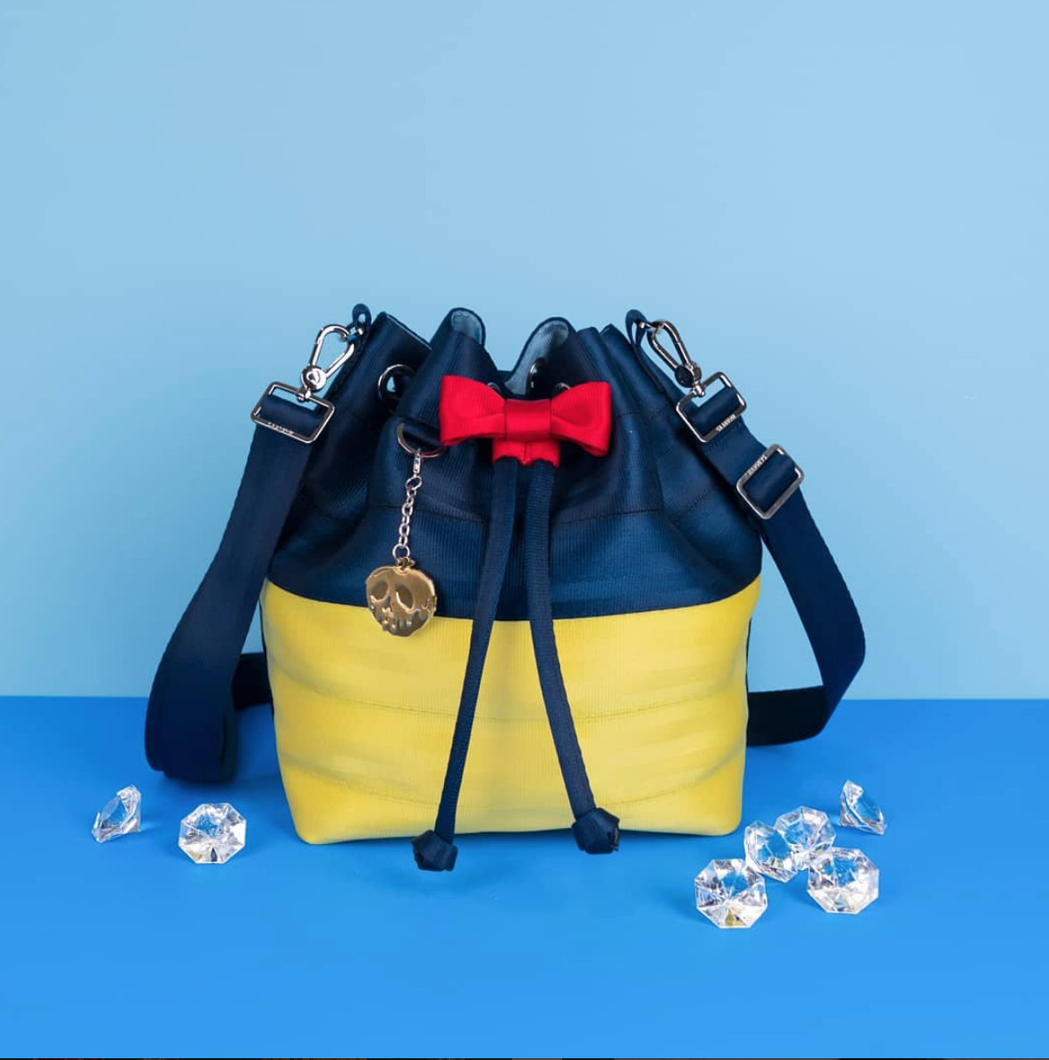 Harveys Seatbelt Bags Debuts Brand New Snow White Collection — THE ... 197f781c42