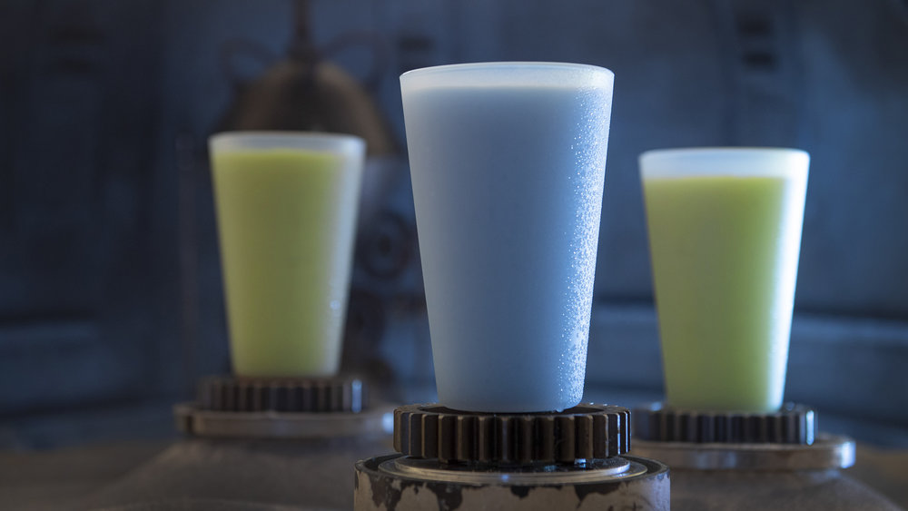 SWGE_Blue_Milk_and_Green_Milk_at_Milk_Stand_1023ZS_0174DR.jpg