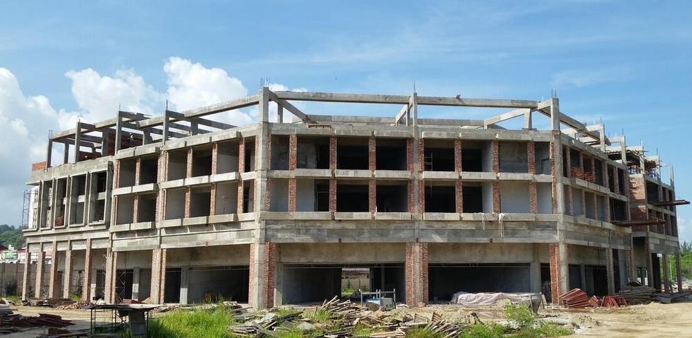 Block D1: Roof beam in progress