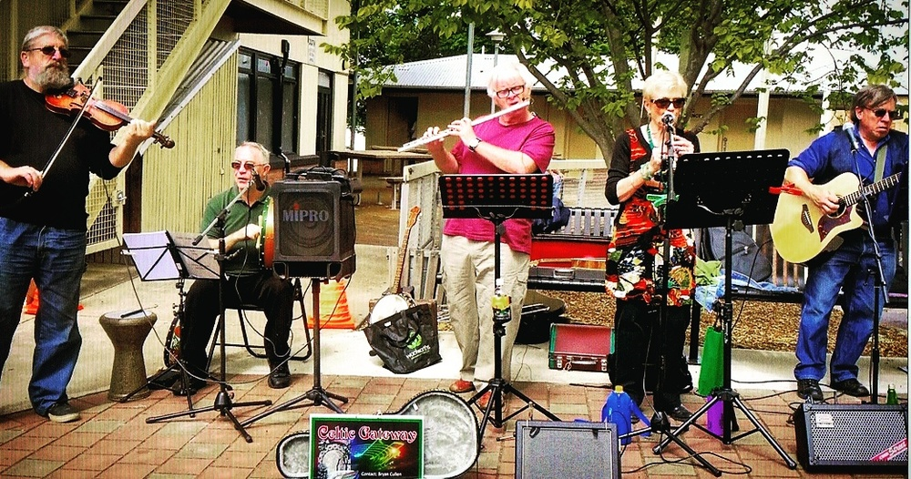 Celtic Gateway perform at the Gawler Farmers' Market