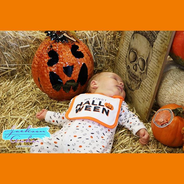 Apparently baby 👶 modeling is exhausting! See @thejacksonasher 's Halloween Video and Photoshoot at http://www.JacksonAsher.com #makehalloweengreatagain #happyhalloween #hollywood #celebritybaby #sleeping