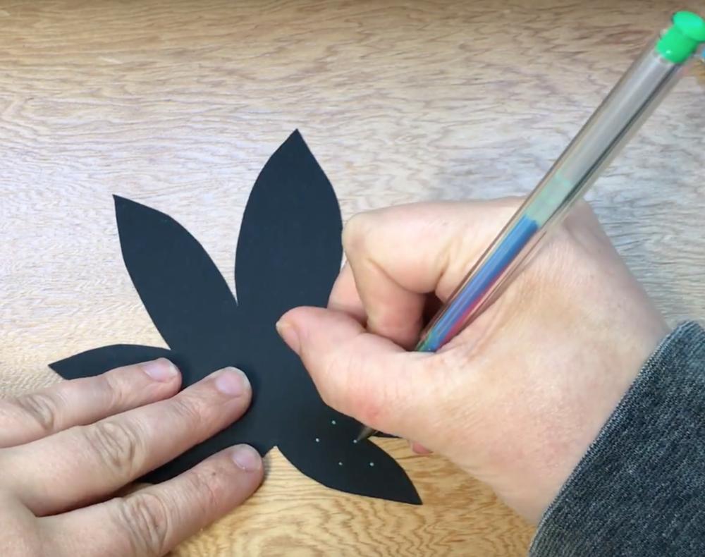 Weed Leaf Wall Art Tutorial: Stoner Crafts